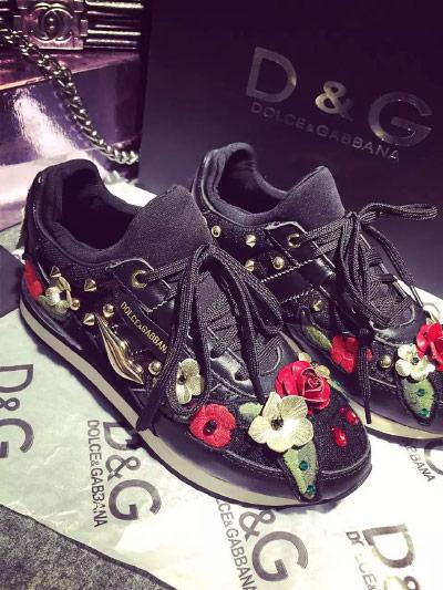 Дизайнерские кроссовки с вышивкой