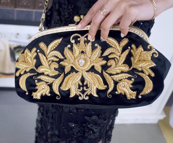 Вышивка на клатче: золотое шитье